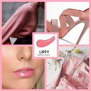 Younique lip gloss